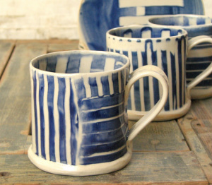 striped mugs blue white